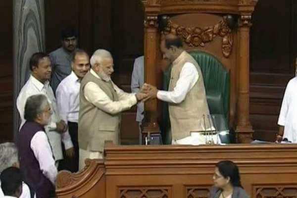 மக்களவை சபாநாயகராக ஓம் பிர்லா ஒருமனதாக தேர்வு!