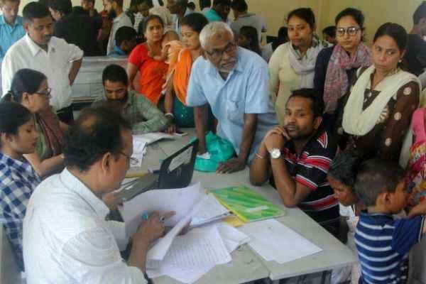 குடிமக்களுக்கான தேசிய பதிவில் விடுபட்ட மக்கள் ஓட்டுப் போடலாம் - தேர்தல் ஆணையம்