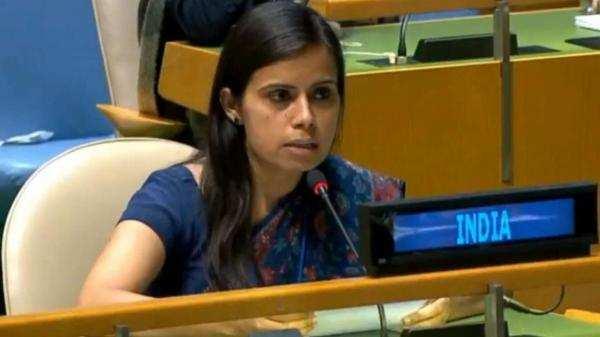 பெஷாவர் பள்ளி தாக்குதல்: இந்தியா மீது  பாகிஸ்தான்குற்றச்சாட்டு