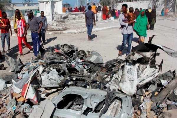 சோமாலியா- தற்கொலைப்படை தாக்குதல் 6 பேர் பலி