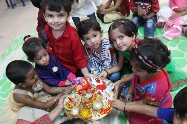 ரக்ஷா பந்தன் கோலாகலக் கொண்டாட்டம்!