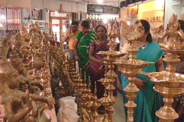 திருச்சி: பூம்புகார் தீபாவளி ஆடை, ஆபரணக் கண்காட்சி