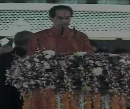 மகாராஷ்டிரா முதலமைச்சராக உத்தவ் தாக்கரே பதவியேற்றார்
