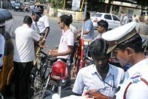 ஹெல்மெட் அணியாமல் சென்ற 1.18 லட்சம் பேர் மீது வழக்கு