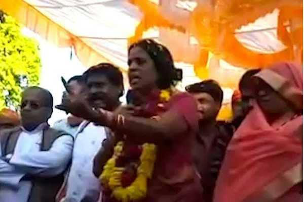 மத்தியப்பிரதேசம்:  மாவட்ட ஆட்சியருக்கு மிரட்டல் விடுத்த காங்கிரஸ் எம்எல்ஏ!