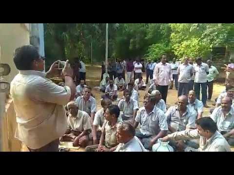 கும்பகோணம்: சர்க்கரை ஆலை ஊழியர்கள் உள்ளிருப்புப் போராட்டம்