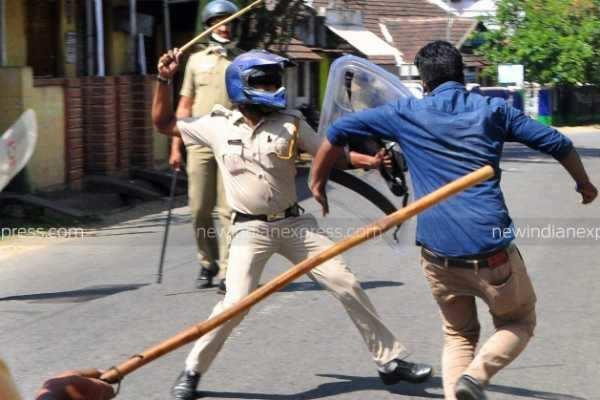 கேரள வன்முறை : சிபிஎம், எஸ்டிபிஐ தொண்டர்கள் 5 பேர் கைது