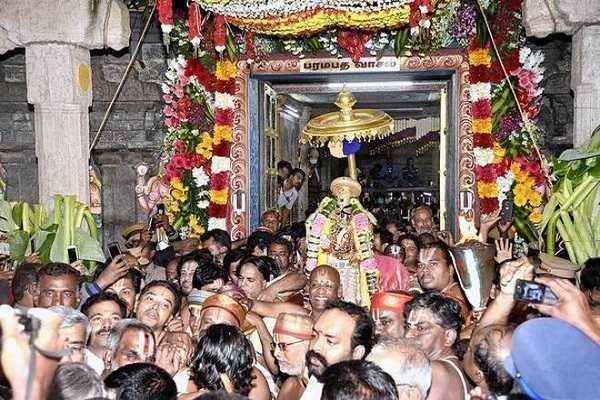 அனைத்து விஷ்ணு கோயில்களிலும் சொர்க்க வாசல் திறக்கப்படுவதற்கான தாத்பரியம்
