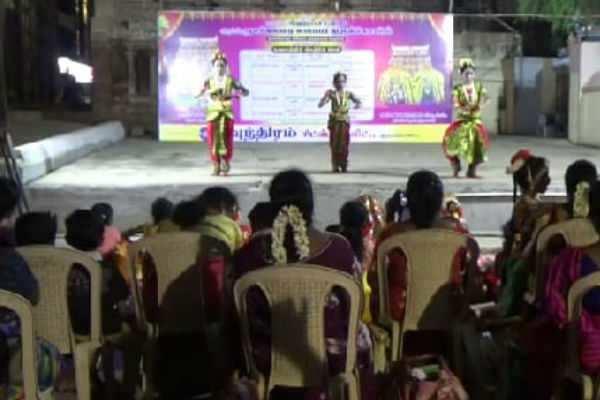 கும்பகோணம்: நாகேஸ்வரர் கோவிலில் நடைபெற்ற நாட்டியாஞ்சலி நிகழ்ச்சி