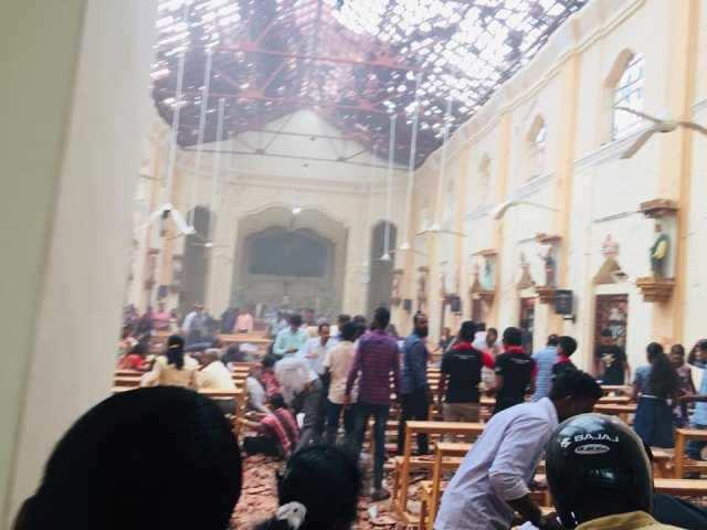 கொழும்பு : சர்ச்சில் நிகழ்த்தப்பட்ட குண்டுவெடிப்பில் 80 பேர் படுகாயம்