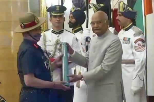 ராணுவ அதிகாரி அனில் குமாருக்கு 'உத்தம் யுத்த சேவா' விருது