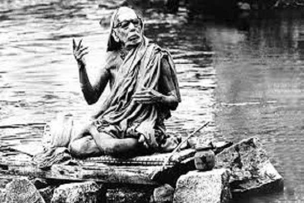 குரு கடாக்ஷம் நம்மீது பட நாம் என்ன செய்ய வேண்டும் ?