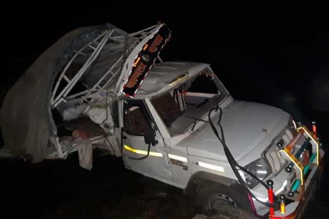 அதிர்ச்சி: பாலத்தில் இருந்து ஜீப் விழுந்து 7 பேர் உயிரிழந்த சோகம்