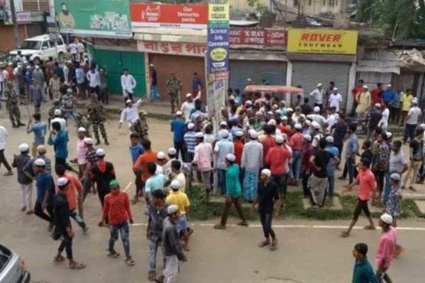 அசாமில்இரு பிரிவினருக்கு இடையே மோதல்: ஒருவர் பலி; 14 பேர் படுகாயம்