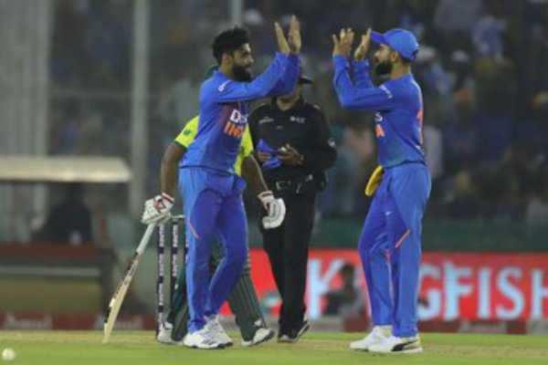 தெ.ஆ-க்கு எதிரான 2வது டி-20 போட்டியில் இந்திய அணிக்கு 150 ரன்கள் இலக்கு!