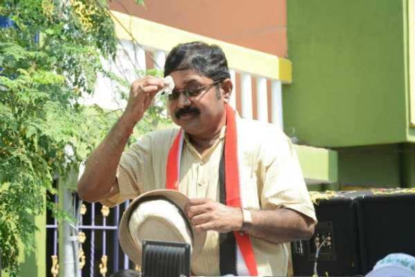 கஜா புயலில் வெளுத்த டி.டி.வி.தினகரனின் சாயம்... கடுங்கோபத்தில் டெல்டா மக்கள்!