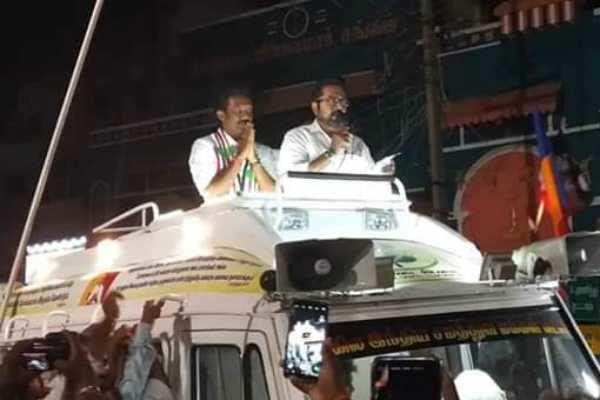 தேர்தல் விதிமுறை மீறல்: நடிகர் சரத்குமார் மீது வழக்குப்பதிவு!