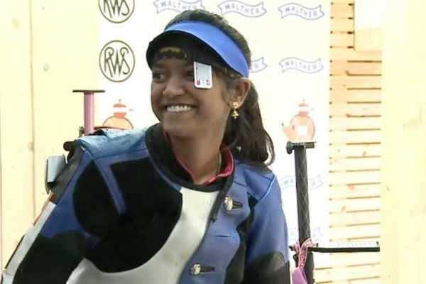 உலகக்கோப்பை துப்பாக்கி சுடுதல் போட்டியில் தங்கம் வென்றார் இளவேனில் !